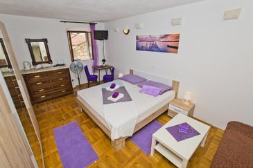 Hvar, Bedroom u smještaju tipa room, dopusteni kucni ljubimci i WIFI.