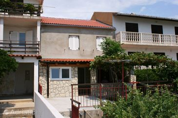 Property Zubovići (Pag) - Accommodation 4069 - Apartments near sea with pebble beach.