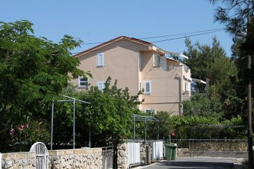 Property Novalja (Pag) - Accommodation 4124 - Apartments near sea with pebble beach.