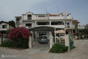 Property Brodarica (Šibenik) - Accommodation 4217 - Apartments near sea with pebble beach.