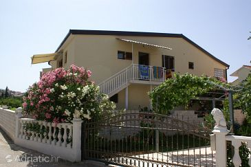 Property Rogoznica (Rogoznica) - Accommodation 4218 - Apartments with pebble beach.