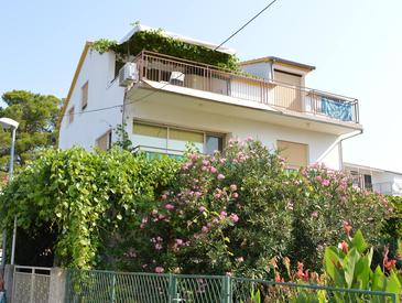 Property Vodice (Vodice) - Accommodation 4233 - Apartments near sea with pebble beach.