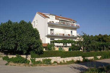 Brodarica, Šibenik, Obiekt 4239 - Apartamenty ze żwirową plażą.