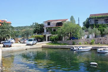 Property Stupin Čeline (Rogoznica) - Accommodation 4264 - Apartments near sea with pebble beach.
