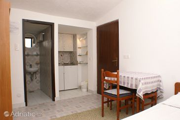 Studio flat AS-4281-d - Apartments Pisak (Omiš) - 4281