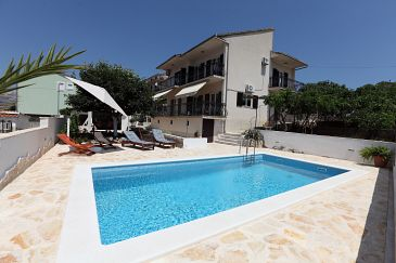 Property Okrug Gornji (Čiovo) - Accommodation 4290 - Vacation Rentals with pebble beach.