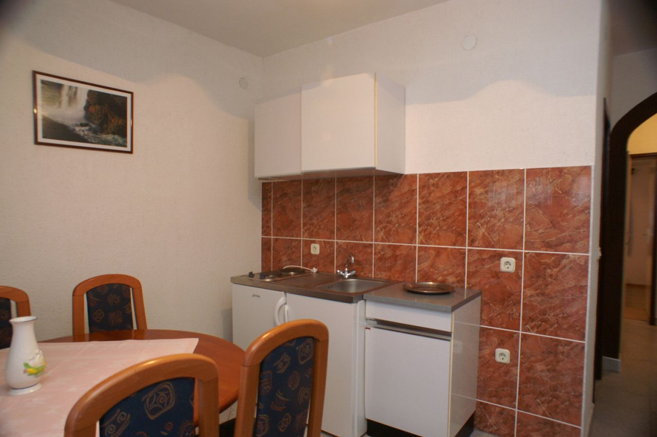 Apartmány s parkoviskom v meste Biograd na Moru - 4305