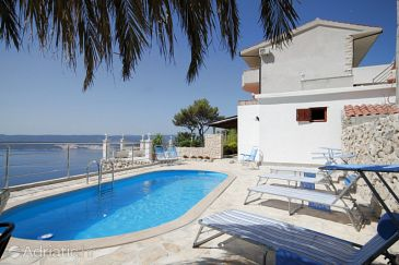 Property Lokva Rogoznica (Omiš) - Accommodation 4328 - Apartments with pebble beach.