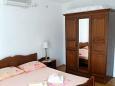 Lumbarda, Bedroom 1 u smještaju tipa apartment, dostupna klima i WIFI.