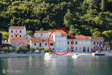 Property Račišće (Korčula) - Accommodation 4408 - Apartments near sea with pebble beach.
