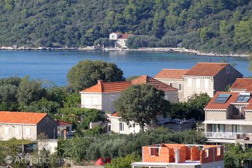 Property Lumbarda (Korčula) - Accommodation 4473 - Apartments with pebble beach.