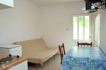 Kučište - Perna, Dining room u smještaju tipa apartment, dostupna klima i dopusteni kucni ljubimci.