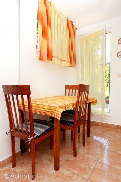 Trstenik, Dining room u smještaju tipa studio-apartment, dostupna klima, dopusteni kucni ljubimci i WIFI.
