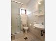 Okrug Gornji, Bathroom u smještaju tipa studio-apartment, dopusteni kucni ljubimci i WIFI.