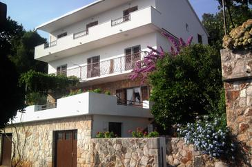 Property Jelsa (Hvar) - Accommodation 4640 - Apartments and Rooms in Croatia.