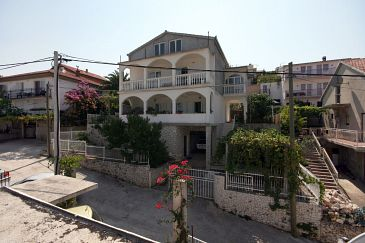 Property Mastrinka (Čiovo) - Accommodation 4647 - Apartments near sea with pebble beach.