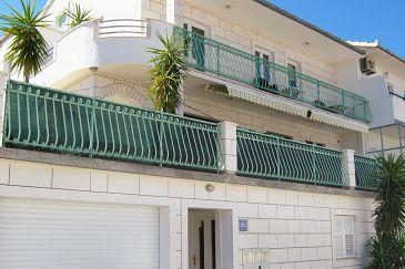 Obiekt Mastrinka (Čiovo) - Zakwaterowanie 4649 - Apartamenty blisko morza ze żwirową plażą.