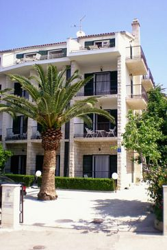 Property Podstrana (Split) - Accommodation 4651 - Apartments near sea with pebble beach.