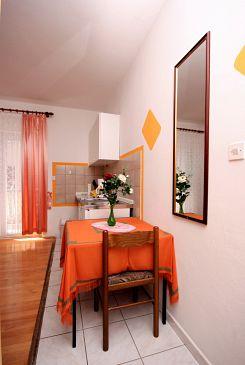 Studio flat AS-4652-a - Apartments Nemira (Omiš) - 4652