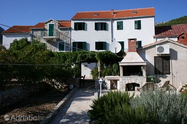 Property Bol (Brač) - Accommodation 4659 - Apartments with pebble beach.