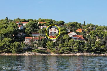Property Splitska (Brač) - Accommodation 4665 - Rooms near sea with rocky beach.