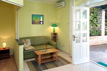 Cavtat, Living room u smještaju tipa studio-apartment, dopusteni kucni ljubimci i WIFI.