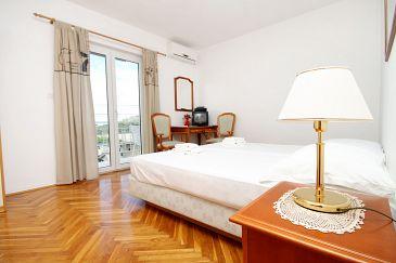 Mlini, Bedroom 1 u smještaju tipa room, dostupna klima, dopusteni kucni ljubimci i WIFI.