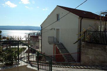 Obiekt Duće (Omiš) - Zakwaterowanie 4796 - Apartamenty blisko morza z piaszczystą plażą.