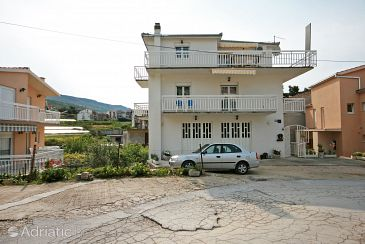 Property Podstrana (Split) - Accommodation 4849 - Apartments with pebble beach.