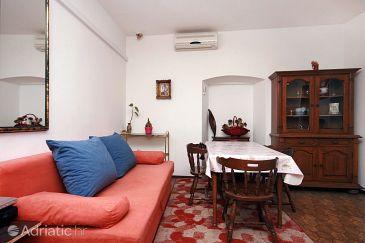 Apartment A-4851-a - Apartments Omiš (Omiš) - 4851