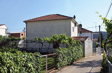 Obiekt Poljica (Trogir) - Zakwaterowanie 4893 - Apartamenty ze żwirową plażą.
