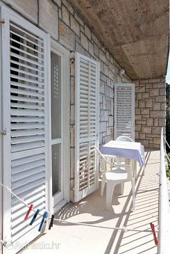 Pomena, Balcony u smještaju tipa room, s pogledom na more i WIFI.