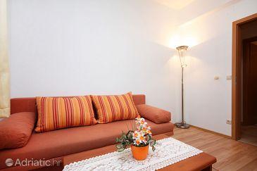 Pomena, Living room u smještaju tipa apartment.