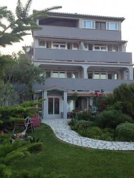Property Lopar (Rab) - Accommodation 4961 - Apartments with sandy beach.