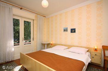 Banjol, Bedroom u smještaju tipa room, dostupna klima, dopusteni kucni ljubimci i WIFI.