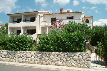 Obiekt Barbat (Rab) - Zakwaterowanie 5026 - Apartamenty ze żwirową plażą.