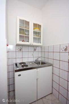Supetarska Draga - Donja, Kitchen u smještaju tipa apartment, dopusteni kucni ljubimci i WIFI.