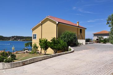 Supetarska Draga - Gornja, Rab, Property 5055 - Apartments blizu mora with sandy beach.
