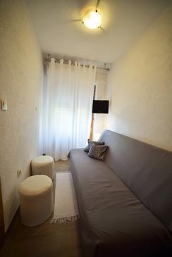 Mundanije, Pokój dzienny u smještaju tipa apartment, dostupna klima i WIFI.