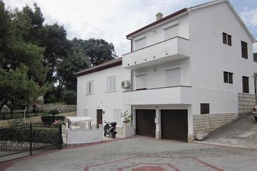 Obiekt Mundanije (Rab) - Zakwaterowanie 5072 - Apartamenty z piaszczystą plażą.