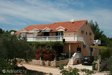 Property Jezera (Murter) - Accommodation 5083 - Apartments with pebble beach.