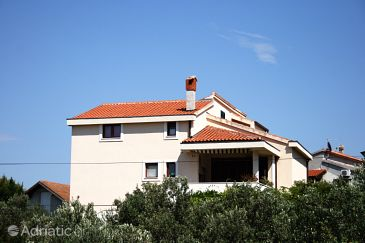 Property Murter (Murter) - Accommodation 5115 - Apartments with sandy beach.