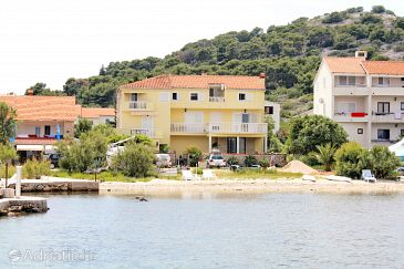 Property Murter (Murter) - Accommodation 5131 - Apartments near sea with pebble beach.