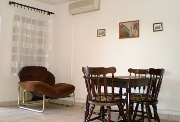 Maslinica, Jadalnia u smještaju tipa apartment, dostupna klima, dopusteni kucni ljubimci i WIFI.