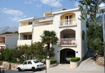 Property Podgora (Makarska) - Accommodation 518 - Apartments near sea with pebble beach.