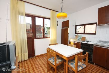 Maslinica, Dining room u smještaju tipa apartment, dostupna klima, dopusteni kucni ljubimci i WIFI.