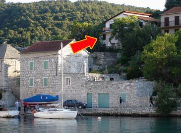 Obiekt Stomorska (Šolta) - Zakwaterowanie 5211 - Apartamenty blisko morza ze żwirową plażą.