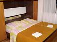 Bedroom 1 - House K-5223 - Vacation Rentals Uvala Pokrivenik (Hvar) - 5223