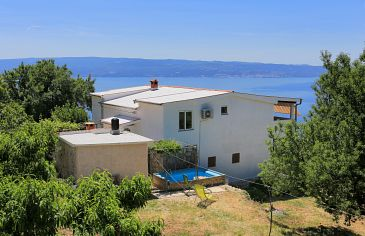 Property Podstrana (Split) - Accommodation 5225 - Apartments with pebble beach.
