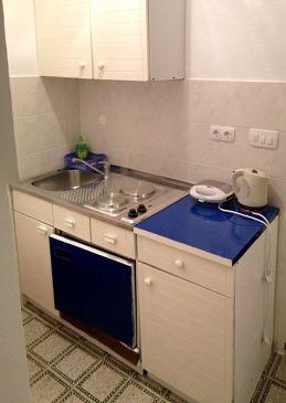 Tučepi, Kitchen u smještaju tipa room, dopusteni kucni ljubimci i WIFI.
